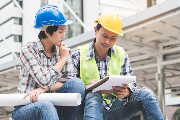 Trabajo de trabajo en equipo constructor de construcción.