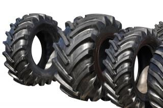 Tractor de neumáticos