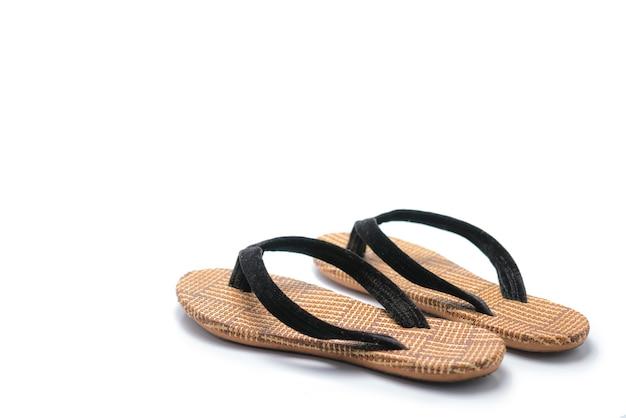 Las tradicionales zapatillas de terciopelo de mandalay que se originan en la alta birmania (myanmar).