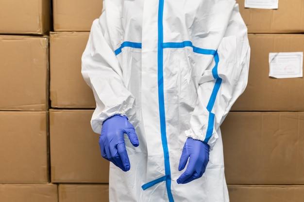 Trajes de protección para médicos ucranianos.