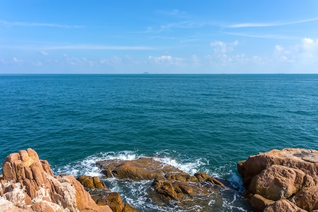 Tranquilo nubes verano turquesa majorca océano