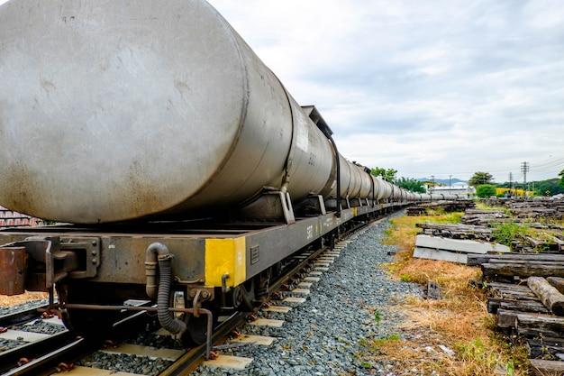 Transporte de aceite en tren.