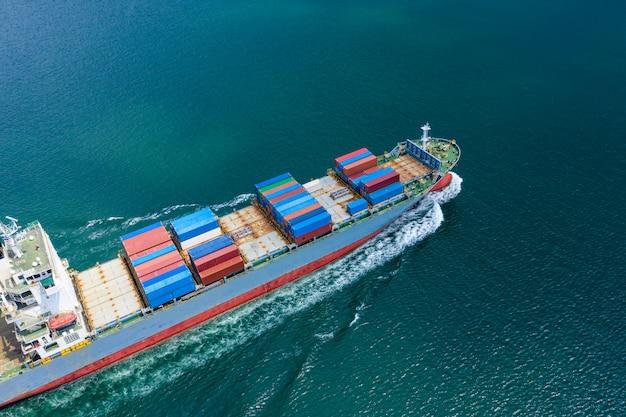 Transporte negocio contenedores de carga logística servicio de envío importación y exportación internacional por mar