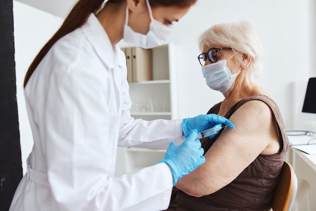 Tratamiento hospitalario del pasaporte del covid del paciente