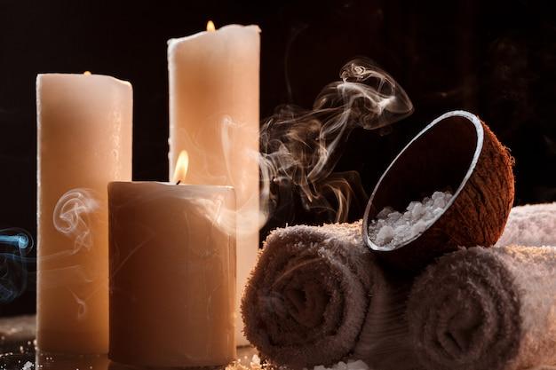 Tratamiento de spa sobre oscuro