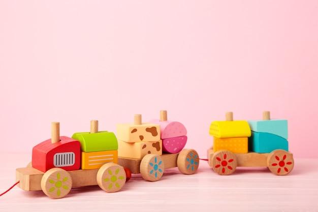 Tren para bebés de bloques geométricos de madera