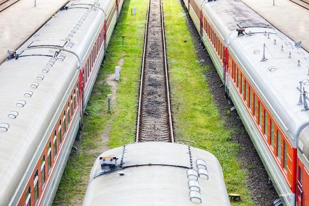 Tren en la estación de vilnius