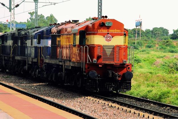 Tren indio