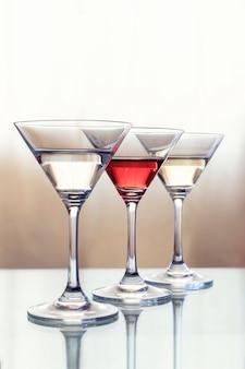Tres copas de cóctel