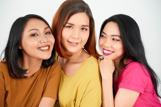 Tres novias felices
