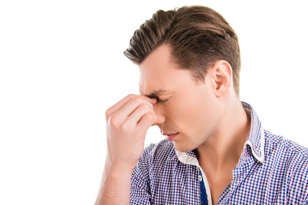 Triste, hombre de negocios, sensación, fuerte, dolor, en, cabeza