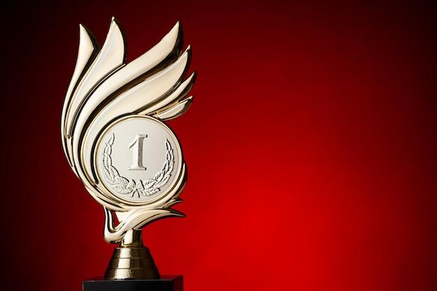 Trofeo de los ganadores del primer lugar para una competencia.
