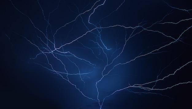 Trueno relámpago tormenta de lluvia en la temporada de lluvias