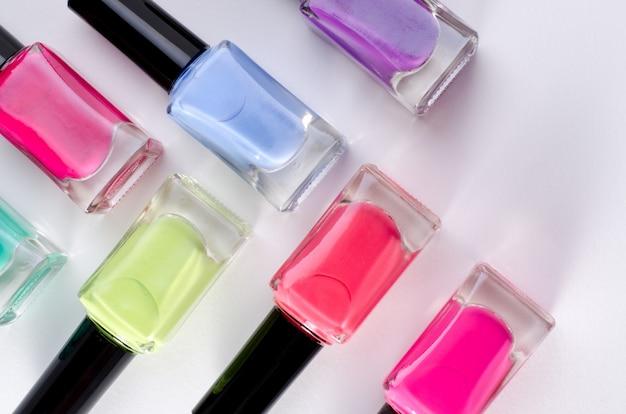 Tubos de esmalte de uñas