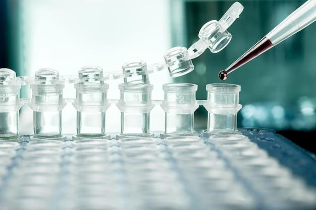 Tubos de plastico para amplificacion de adn