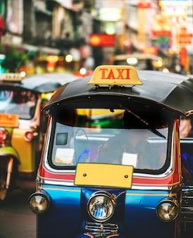 Tuk tuk en bangkok, tailandia