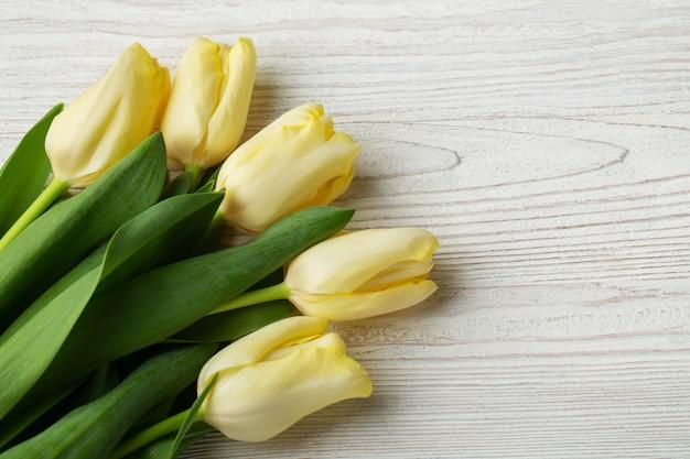 Tulipán - ramo de tulipanes amarillos