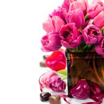 Tulipanes rosas el día de san valentín
