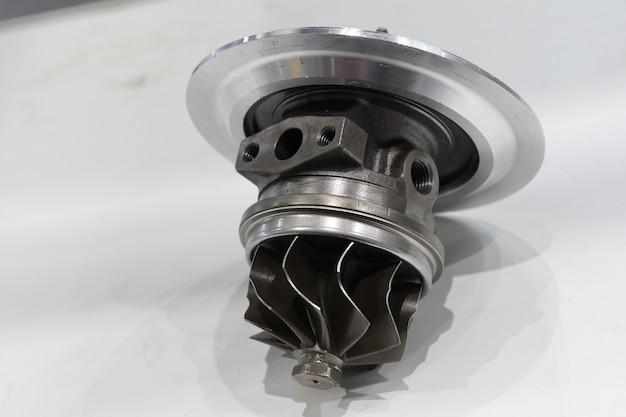 Turbo cargador de componentes para motor diesel.