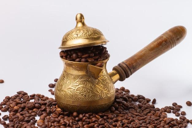 Turco para la elaboración de café y granos de café.