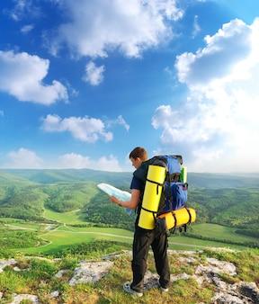 Turista en montaña