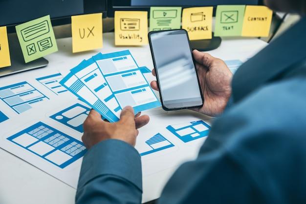 User experience ux er diseño de teléfonos inteligentes web.