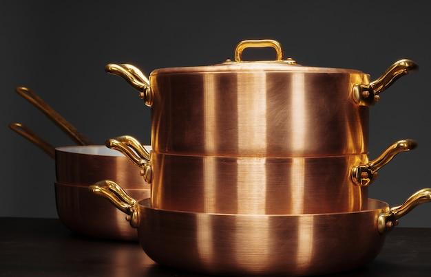 Utensilios de cocina de cobre vintage brillante