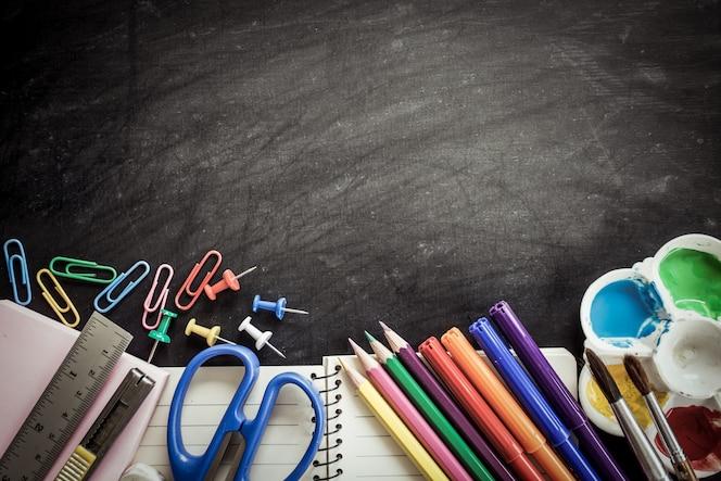 Fondo Utiles Escolares Vector: Material De Dibujo Técnico Y Gafas