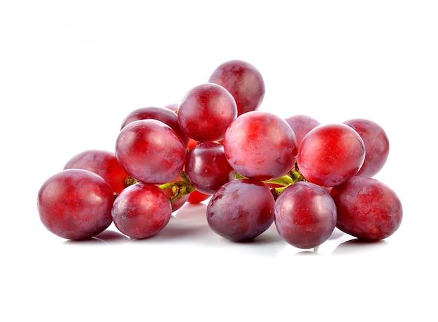Uvas aisladas en blanco