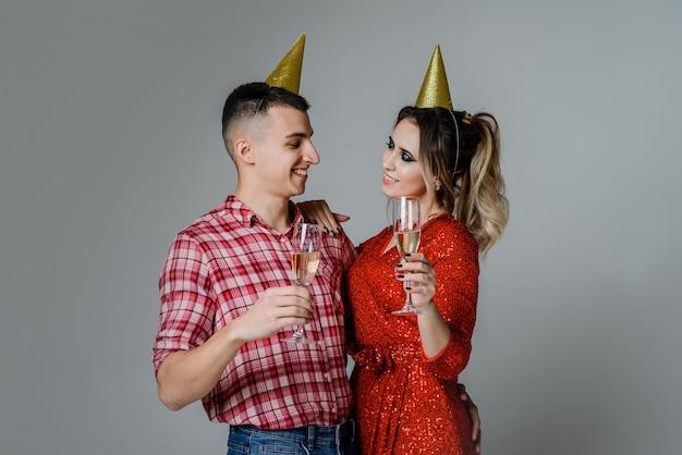 Vacaciones divertidas gorras de fiesta de oropel fiesta corporativa de jóvenes de champán