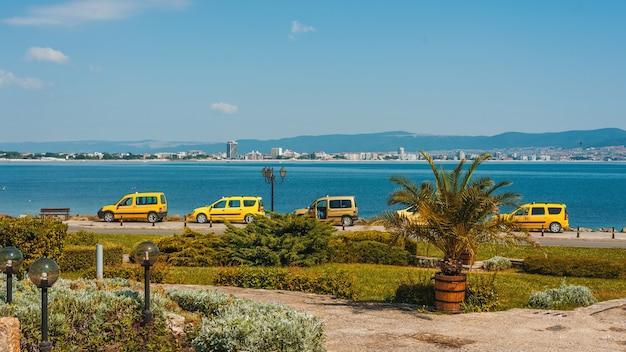 Vacantion, tropical, taxi park neard bach, horizont,
