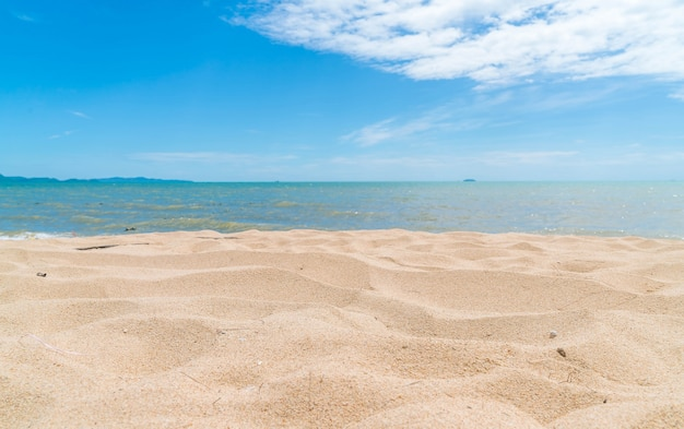 Vaciar el mar y la playa de fondo