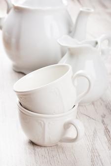 Vajilla blanca para té