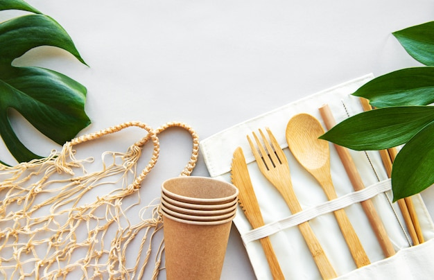 Vajilla de madera, concepto de cero residuos