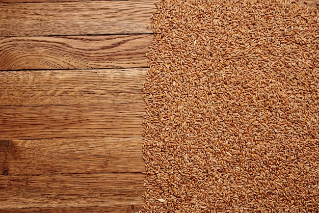 Vajilla de madera ingredientes para el desayuno cocina fondo de madera