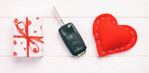 Valentine, caja de regalo en envoltorio navideño
