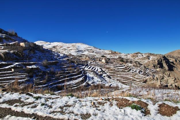 Valle de kadisha en las montañas del líbano