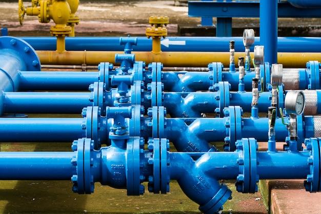 Válvulas en la planta de gas