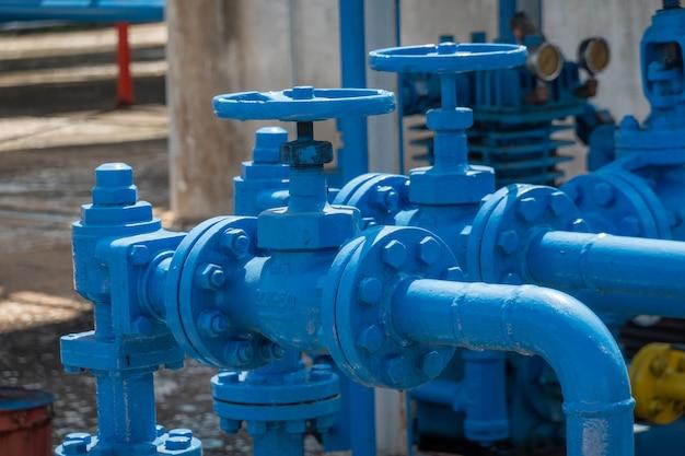 Válvulas de seguridad en planta de gas.