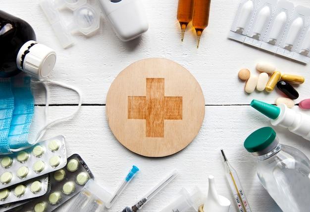Varias drogas, pastillas y otros medicamentos.