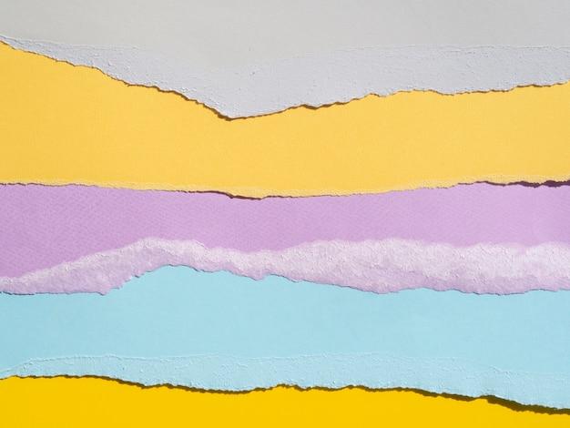 Variedad de composición abstracta con papeles de colores.