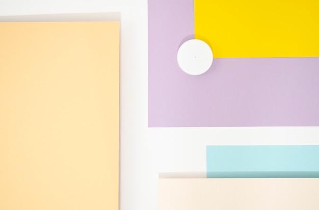 Variedad de formas y líneas geométricas mínimas.