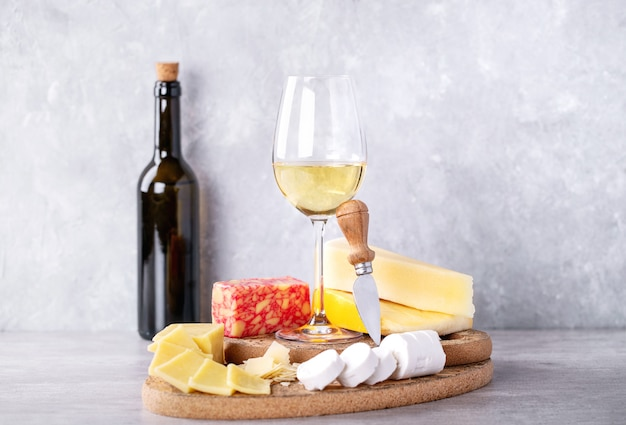 Variedad de queso de cabra y leche de vaca.