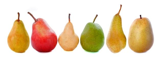 Variedades de peras aisladas