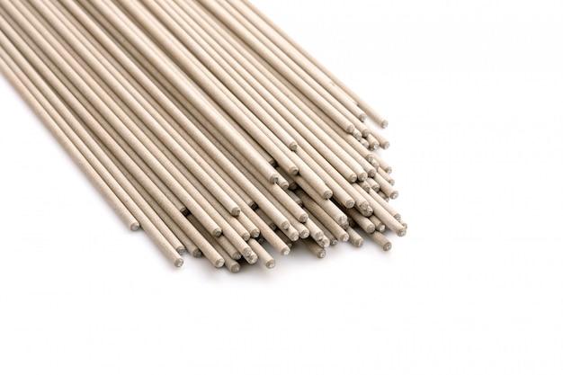 Varilla de soldadura para conexión de acero aislada en blanco