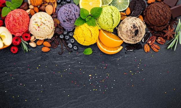 Varios de bola de sabor de helado establecido