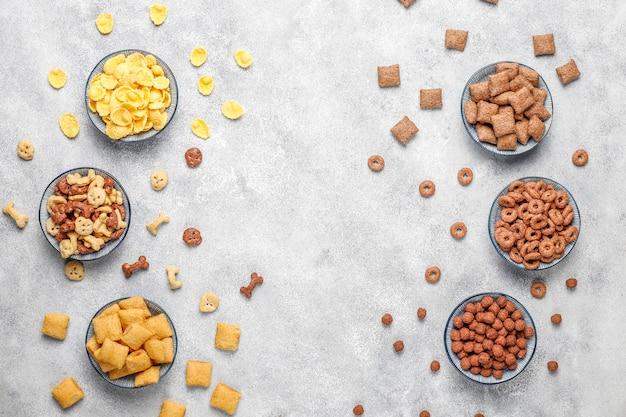 Varios cereales para el desayuno, vista superior