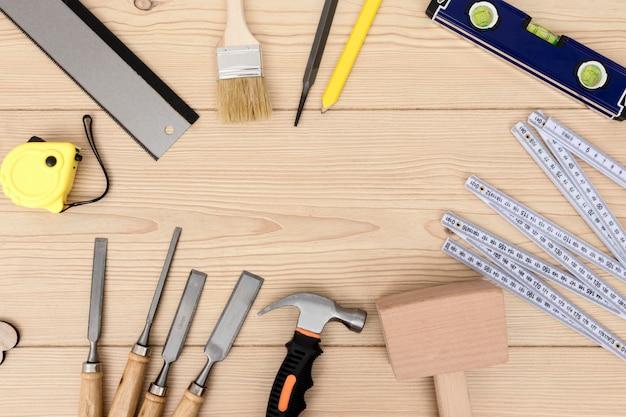 Varios espacio de copia de vista superior de herramienta de carpintería