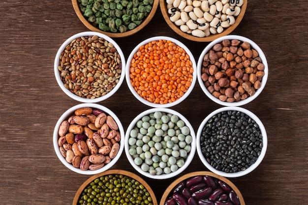 Varios surtido de legumbres indias