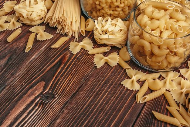 Varios tipos de pasta italiana.